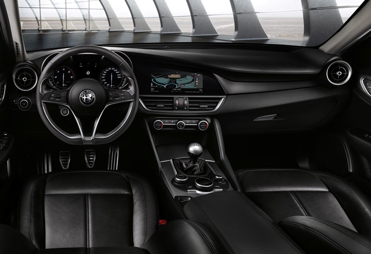 Nouvelle-Alfa-Romeo-Giulia