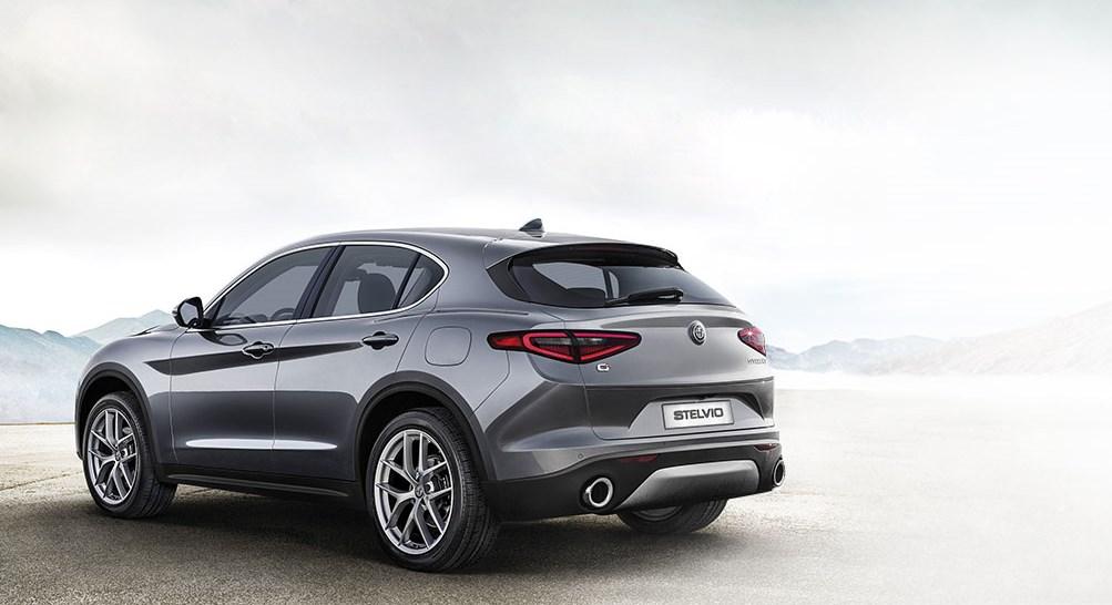 Alfa-Romeo-Stelvio-Gris-Exterieur