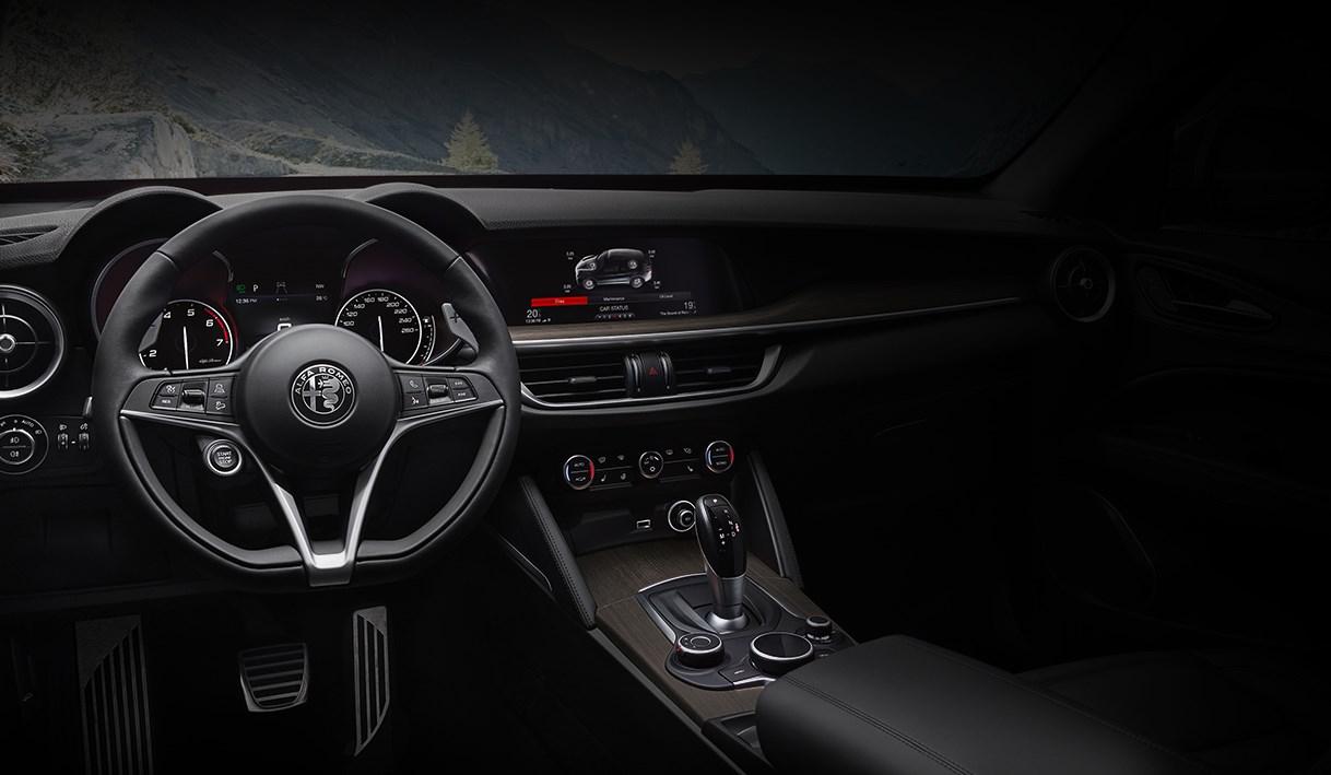 Alfa-Romeo-Stelvio-Interieur-Volant